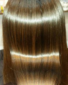 大野城髪質改善専門美容室Lien hair design(リアン ヘアー デザイン)本日の『美髪チャージプレミアム美肌カラー』のお客様です(^^)  リアンのOggiotto(オッジィオット)を使用した『美髪チャージプレミアム美肌カラー』なら縮毛矯正&ブリーチをしたハイダメージのお客様の髪も、こんなに艶々サラサラに仕上がっちゃいます(о´∀`о)  『美髪チャージプレミアムカラー』なら1回目より2回目、2回目より3回目と繰り返せば繰り返すほど艶々サラサラに仕上がっちゃいます(^-^)   そして今、話題の『マイクロファインバブル』を使用することにより美髪チャージの力を120%まで引き上げてくれます(σ≧▽≦)σ  こちらのメニューは、こんな方にお薦め!   ・髪の毛のダメージが気になる ・カラーやブリーチをしている ・髪の毛を伸ばしたいが伸ばせない ・髪の毛がパサつく、引っかかりがある ・髪の毛のツヤがほしい  本気で髪の毛を良くしたい方必見!  月1回の施術いただくことをお薦めします(^_^)   新システムによりグレードアップした『美髪チャージプレミアムカラー』で さわればわかる!さわりたくなる髪を手に入れてみませんか(^^)   美髪チャージメニュー  美髪チャージプレミアムトリートメント ¥10000~  美髪チャージプレミアムカラー ¥18000~  美髪チャージプレミアムデジタルパーマ ¥24000~  美髪チャージプレミアム美革ストレート ¥27000 ~  2020年11月は2.9.16.19.26.30日にお休みをいただいております(^-^) 23日の月曜日は祭日のため営業をさせていただいておりますので宜しくお願い致します( ^∀^)  「髪質改善」美容室 リアン ヘアーデザイン  福岡県大野城市中央2丁目1−13  tel:092-593-3339  ※完全マンツーマンサロンですので、 お電話の対応、施術、会計など 全てひとりで担当させていただいております。 そのため施術中はお電話が取れない場合がございます。 その際は折り返しご連絡をさせていただきます  #大野城 #大野城市 #春日市 #太宰府 #太宰府市 #筑紫野 #筑紫野市 #oggiotto #オッジィオット #ケラリファイン #ヴァリジョア #髪質改善 #美髪チャージ #美髪